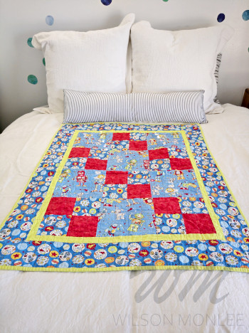 Full Robot Quilt on Guest Bed